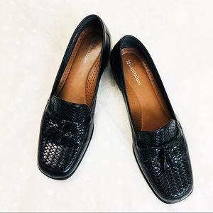Naturalizer 100% Leather Tassel Loafers Black